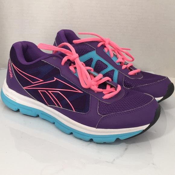 9fcef92a0e46 Reebok dual compound running shoe. M 5ab420a83b1608317bbe469a